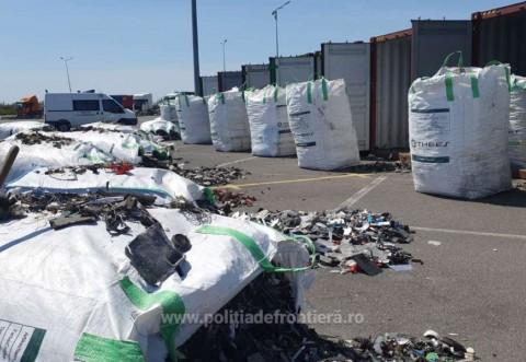 Tone de deseuri din Germania, importate de o firma din Prahova, oprite in portul Constanta. Gunoaiele vor fi trimise inapoi