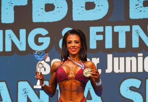 Ploieşteanca Daniela Andrei a obtinut medalia de aur la un concurs de fitness organizat in Spania, categoria de varsta 40-44 ani