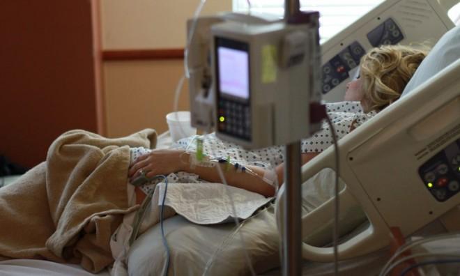 """Acuzații grave: """"Peste 1.000 de pacienți cu leucemie, condamnați la moarte de Ministerul Sănătății"""""""
