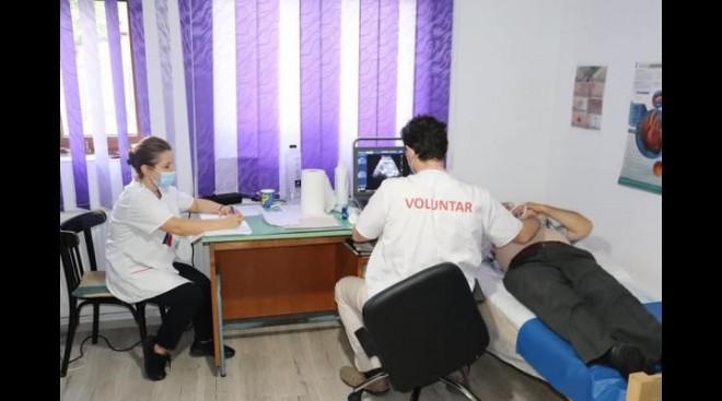 """80 de persoane din Pleașa au beneficiat în weekend de asistență medicală în cadrul Campaniei """"Sănătate pentru sate"""""""
