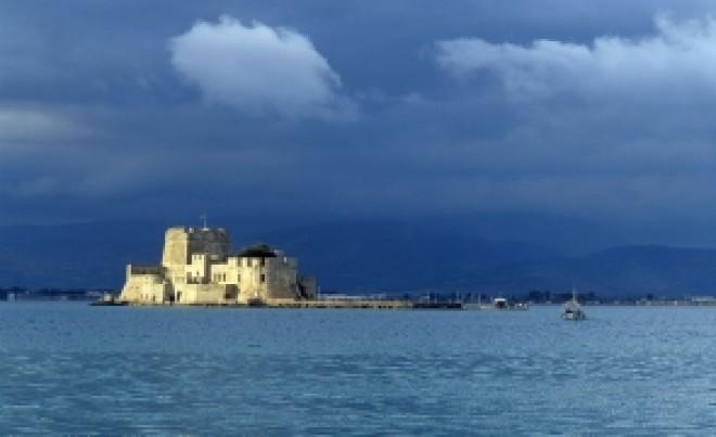 13 insule grecești, trecute de Centrul European pentru Controlul şi Prevenirea Bolilor pe lista roșie. Se descurajează călătoriile neesențiale