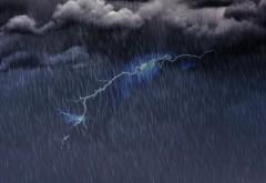 HARTĂ Cod portocaliu de ploi torențiale și vijelii în aproape jumătate din țară. Cantitățile de apă vor ajunge la 70 l/mp
