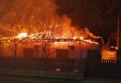 Tragedie in Prahova. Un barbat din Vadu Sapat, imobilizat la pat, a murit carbonizat in propria casa, dupa un incendiu care a cuprins intreaga locuinta