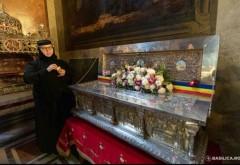 La Mănăstirea Ghighiu, credincioșii se închină zilele acestea la racla cu moaștele Sfântului Constantin Brâncoveanu