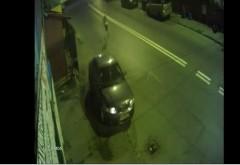 Ploiesti/ A fost prins tanarul care a facut circ intr-o sala de jocuri si a distrus masina unei angajate