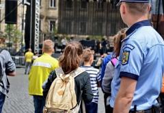 Aproape 1000 de politisti, pompieri si jandarmi vor supraveghea inceperea scolii, in Prahova