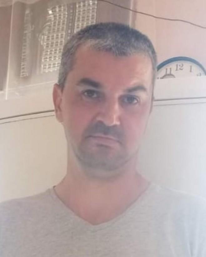 L-ati vazut? Un barbat din Scorțeni a disparut de acasa. Cine are informatii este rugat sa sune la 112