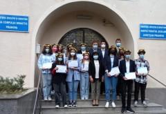 Elevii de 10 ai Prahovei, premiati cu cate 3000 de lei (Bacalaureat) si 1000 de lei (Evaluare Nationala)