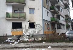 Explozie la parterul unui bloc din Ploiesti. Un barbat a ajuns la spital