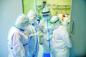Răspuns la vaccinarea obligatorie. Cadrele medicale amenință cu demisia în bloc
