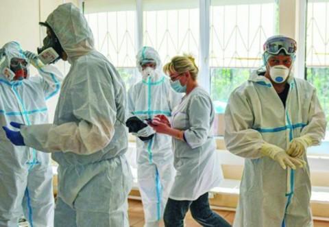 Lovitură pentru medici. Patronatele și societatea civilă dau undă verde vaccinării obligatorii