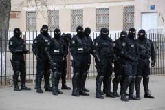 Poliţiştii efectuează PERCHEZIŢII la hoţii de petrol din Prahova