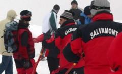 Operaţiune DIFICILĂ în Bucegi. Doi turişti blocaţi pe un traseu cu zăpadă şi gheaţă, salvaţi după 12 ore