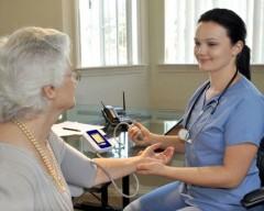 Campanie GRATUITĂ de testarea glicemiei şi măsurarea tensiunii arteriale, la Ploieşti