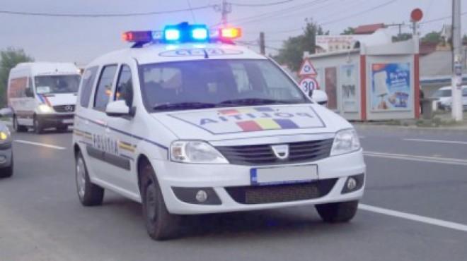 Cinci hoţi din locuinţe care păcăleau bătrânii din Ploieşti, reţinuţi de poliţişti după o urmărire SENZAŢIONALĂ