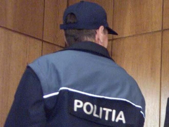 Poliţist din Brazi, cercetat penal pentru LUARE DE MITĂ