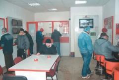 CONTROL la casele de pariuri şi barurile din Ploieşti. Vezi ce amenzi au aplicat poliţiştii