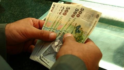 Un bărbat din Ploieşti a pierdut o sumă imensă la pariuri şi din disperare a făcut un GEST EXTREM. Află ce