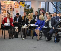 Dezbatere pe tema acordului comercial UE-SUA, organizată în Ploiesti