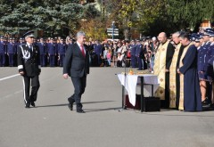 Vicepremierul Gabriel Oprea, prezent la ceremonialul depunerii Jurământului Militar la Câmpina