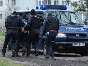 Un tânăr din Ploieşti a fost AGRESAT de un hoţ care i-a furat telefonul mobil. Infractorul a fost REŢINUT