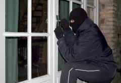 Ploieştenii pot răsufla liniştiţi! Încă un hoţ din locuinţe a fost ARESTAT