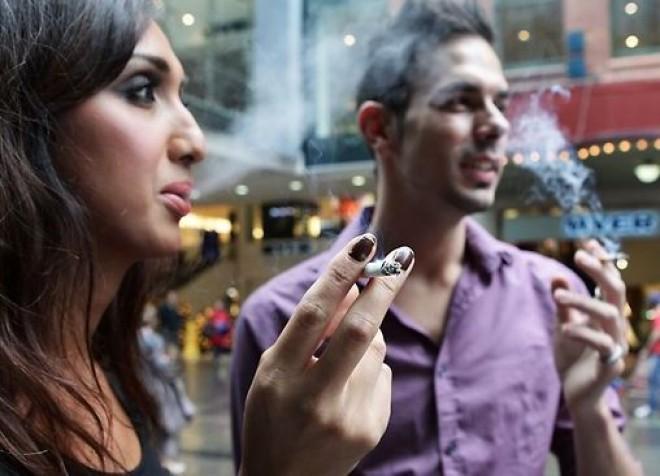 Veste GROAZNICĂ pentru fumători! O nouă LEGE le va face viața mai grea