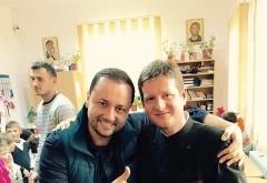 """Manuel Radu, preotul din Urlați care îngrijește 30 de copii nevoiași, a fost vizitat de Măruță: """"Am plâns de emoție"""" FOTO"""