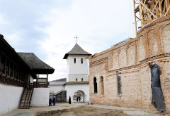 INCREDIBIL. Tentativă de furt la Mănăstirea Apostolache