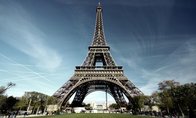 Legătura dintre un prahovean şi Turnul Eiffel