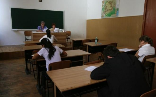 Au început simulările pentru Evaluare Naţională 2015 şi Bacalaureat 2015