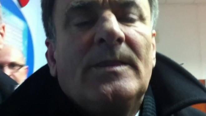 Consilierul Gheorghe Sirbu a dat, inca o data, cu mucii in fasole! Suporterii Petrolului i-au pus gand rau