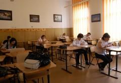 Elevii de clasa a VIII-a susţin astăzi simularea la LIMBA MATERNĂ