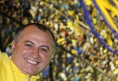 MILIONARUL ROMÂN Costel Comana, găsit MORT în toaleta unui avion. S-a spânzurat cu şireturile VIDEO