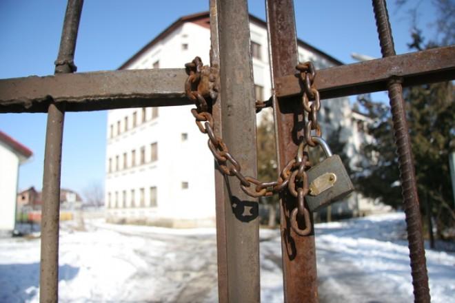 Bărbat de 40 de ani din Ceraşu, condamnat la închisoare pentru că şi-a abandonat familia