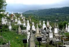Doi prahoveni beţi morţi au făcut RAVAGII într-un cimitir