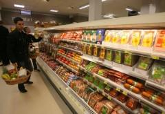 Alimentele şi combustibilii s-au SCUMPIT. Produsele cu cele mai mari creşteri