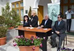"""Ce personalităţi din Prahova au participat la deschiderea Festivalului Internaţional de Poezie """"Nichita Stănescu"""""""