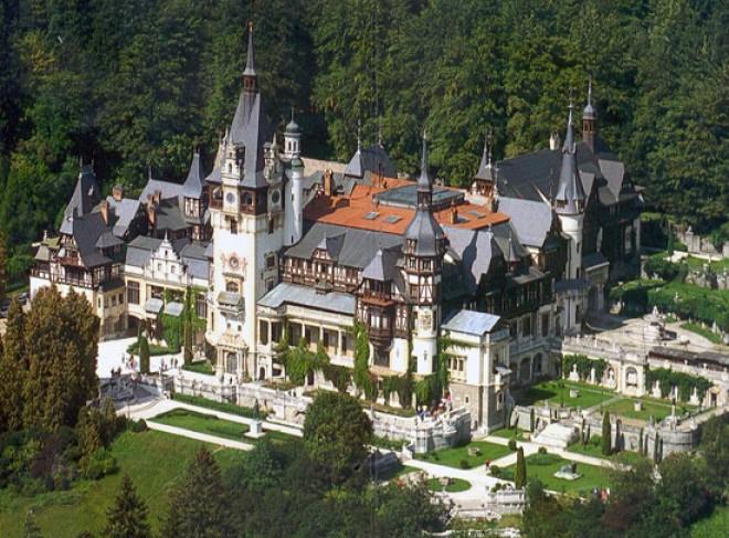 Castelul Peleş trece la programul de vară din luna mai
