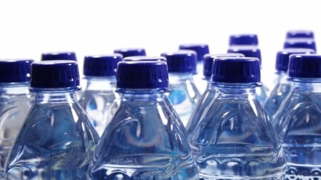 Apa îmbuteliată, pericol public. Jumătate din populaţia României este expusă unei posibile epidemii