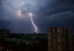 PROGNOZA METEO PE DOUĂ SĂPTĂMÂNI. Zile cu temperaturi de vară, urmate de furtuni