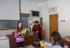 Cum a reuşit un primar din Prahova să-i facă pe elevi să înveţe