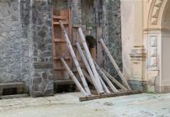 Castelul Peleş se degradează