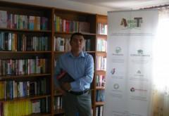 Un tânăr din Prahova şi-a făcut bibliotecă publică la el acasă