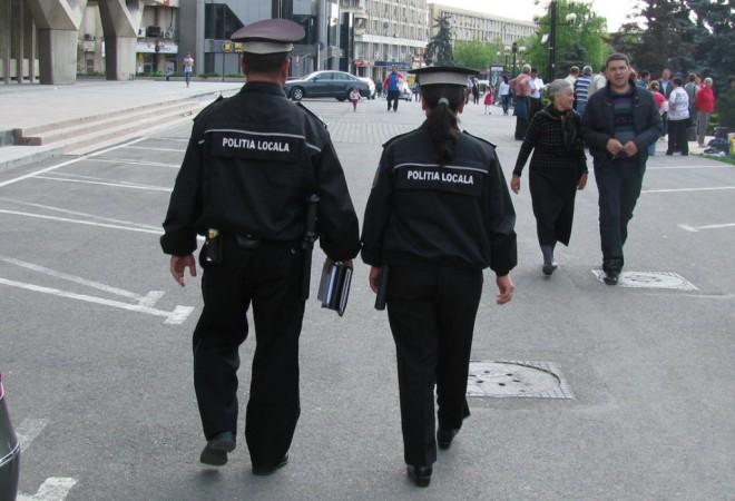 Controale ale Poliţiei Locale pe mai multe străzi din Ploieşti. Ce caută oamenii legii