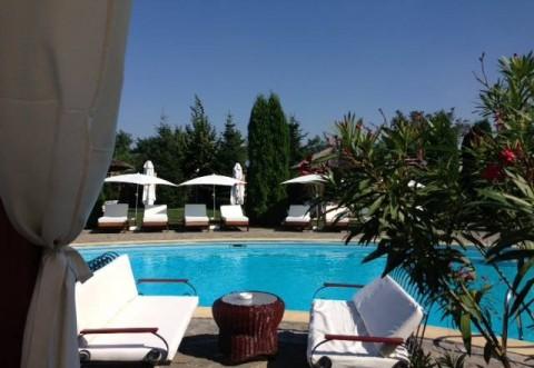 Club Laguna te asteapta la plaja, la cea mai curata piscina din Ploiesti! Vezi lista de preturi pentru vara 2015