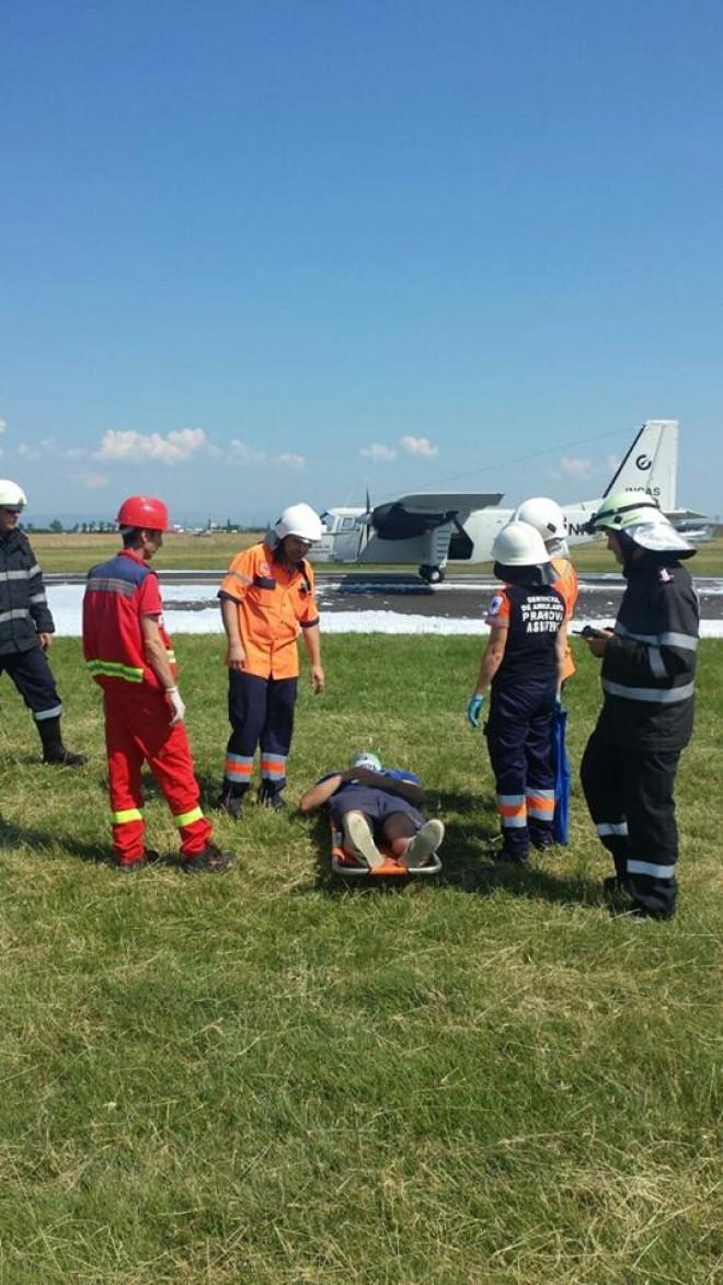 Accident aviatic pe aerodromul Strejnic. Zece persoane ranite