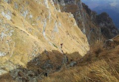 TRAGEDIE in Bucegi. Un turist austriac a murit pe Jepii Mici