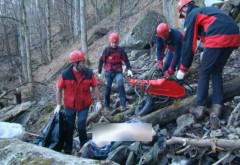 Misiune de SALVARE în Sinaia. Un motociclist a căzut 7 metri într-o râpă