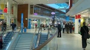 ATENŢIE! Mall-urile din Ploieşti, asaltate de hoţi